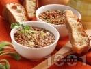 Рецепта Леща с хрупкави хлебчета, целина и мариновани сушени домати